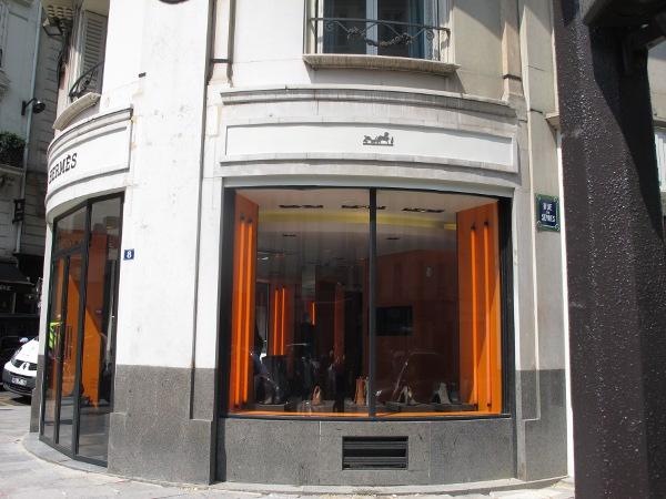 Envie d 39 une paire de tongs hermes a ce qu 39 il vous faut the parisienne - Hermes rue de sevres ...