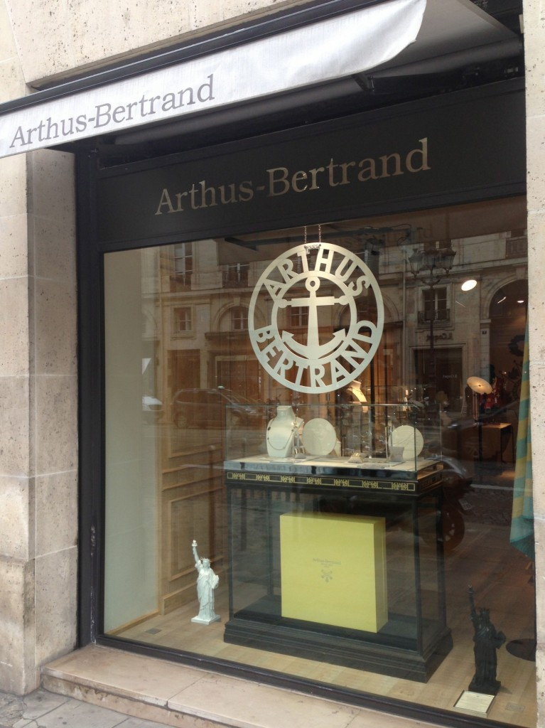 Arthus bertrand des bijoux 100 made in france the parisienne - Maison arthus bertrand ...